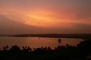 Mandovi river honeymoon cruise