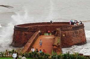 Fort Aguada honeymoon yacht cruise