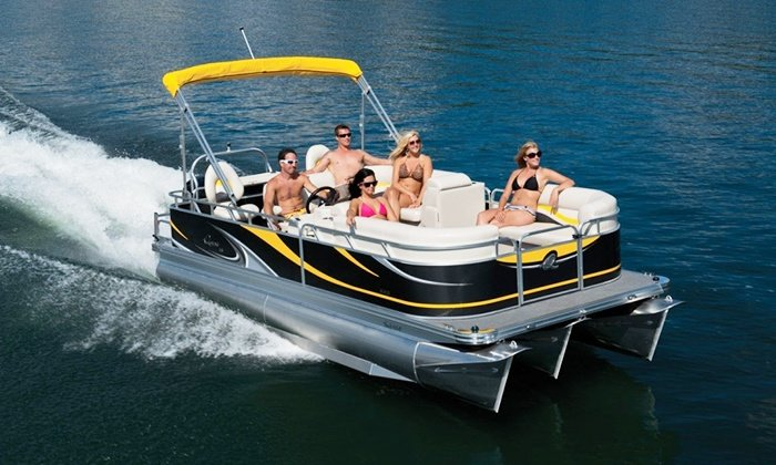 Boat rental in Goa for party